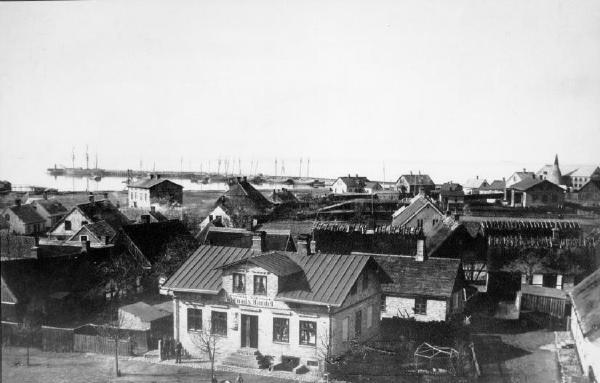 Panorama_mot_hamnen.webres1
